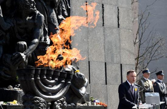 Andrzej Duda a varsói gettó emlékműnél mond beszédet 2018-ban #moszkvater