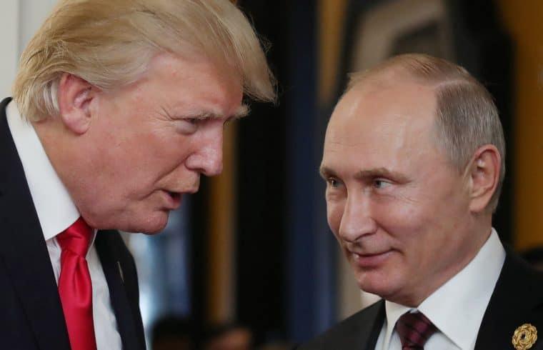 Donald Trump és Vlagyimir Putyin egykorábbi találkozójukon #moszkvater
