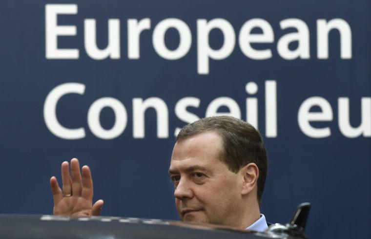 Dmitrij Medvegyev az Európa Tanács brüsszeli üléséről távozik 2018, október 19-én #moszkvater