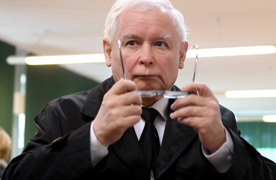 """""""Lengyelország kettészakadt"""", a """"Jog és Igazságosság Párt elérkezett a zenithez, Kaczynskiék jövőreverhetőek"""" #moszkvater"""
