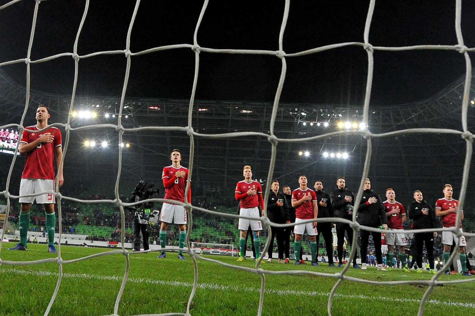 A magyar válogatott a 2018-as Nemzetek Ligája Finnország elleni mérkőzése előtt a himnuszt hallgatja #moszkvater