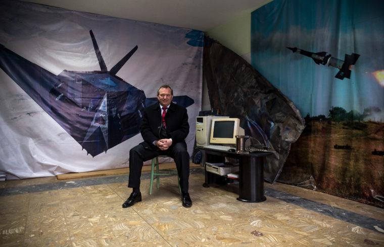 """A nyugdíjas Dani Zoltán szerbiai otthonában, aki lelőtte az amerikai légierő F-117-es """"lopakodó"""" repülőgépét 1999-ben, a balkáni háborúban #moszkvater"""