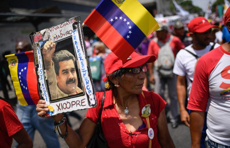 Nicolas Madurót támogató tüntetés a Miraflores palota előtt Caracasban 2019. május 20-án #moszkvater