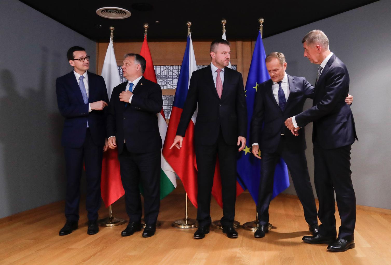 """""""A visegrádiak gyakorlati példákkal, ehhez pedig segítő kézzel támogatják a balkáni törekvéseket"""" #moszkvater"""