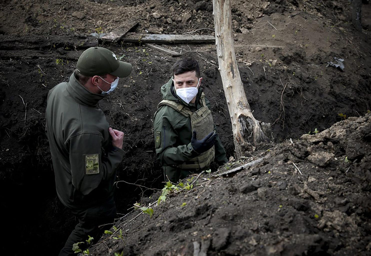 Volodimir Zelenszkij ukrán elnök látogatása Petrivszkében, a háború sújtotta Donyeck régióban 2020. április 11-én #moszkvater