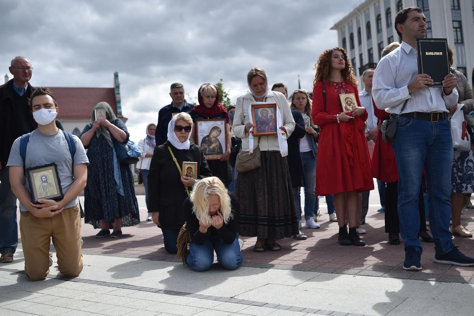 Katolikus, evangélikus és ortodox hívők közös imája MInszkben 2020. augusztus 13-án, az elnökválasztást követő tüntetések ötödik napján #moszkvater