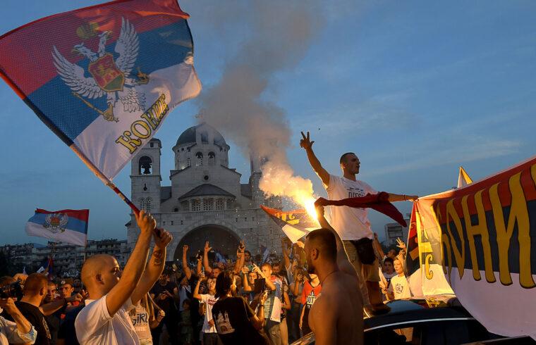Az ellenzék választási győzelmét ünneplő tömeg Podgoricában 2020. augusztus 31-én #moszkvater