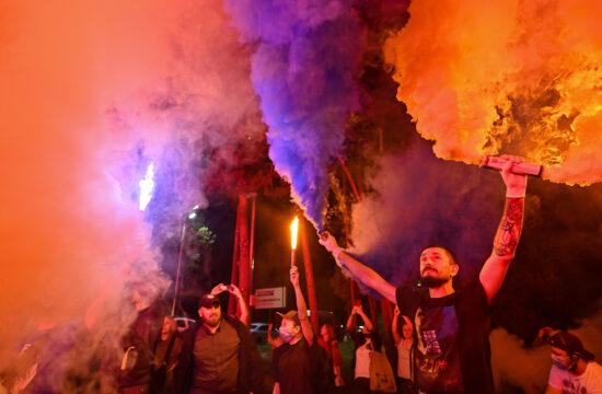 Ukrán nacionalisták tüntetése Volodimir Zelenszkij rezidenciája előtt Kijevben 2020. szeptember 10-én #moszkvater