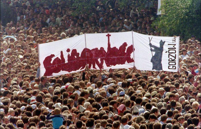 II. János Pál pápa miséje Szczeczinben 1987. június 11-én #moszkvater