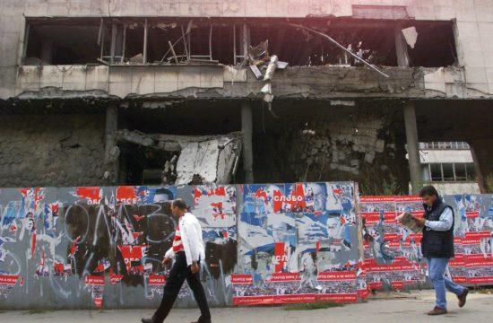 Belgrádi életkép a bombázások után 2000. októberében #moszkvater
