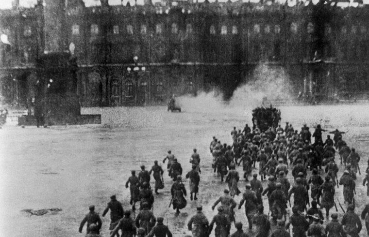 A téli palota ostroma Szergej Eizenstein Október című filmjének forgatásán #moszkvater