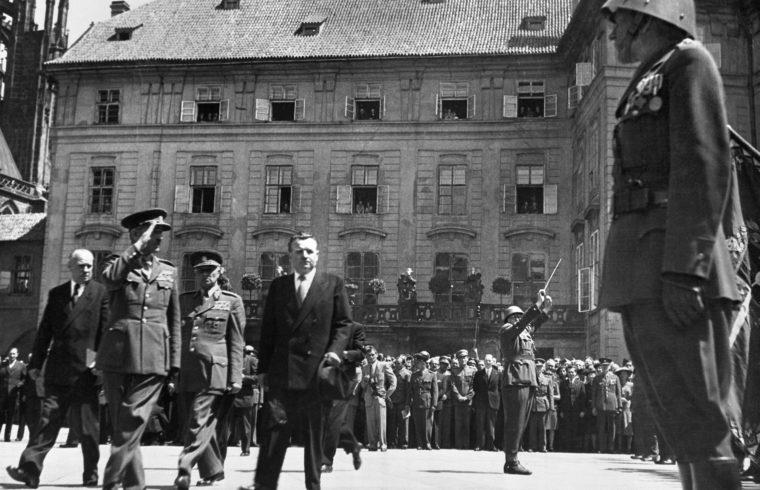 Klement Gottwald, Csehszlovákia megválasztott elnökeként a prágai Hradzsinban 1948. június 15-én Fotó:EUROPRESS/AFP #moszkvater