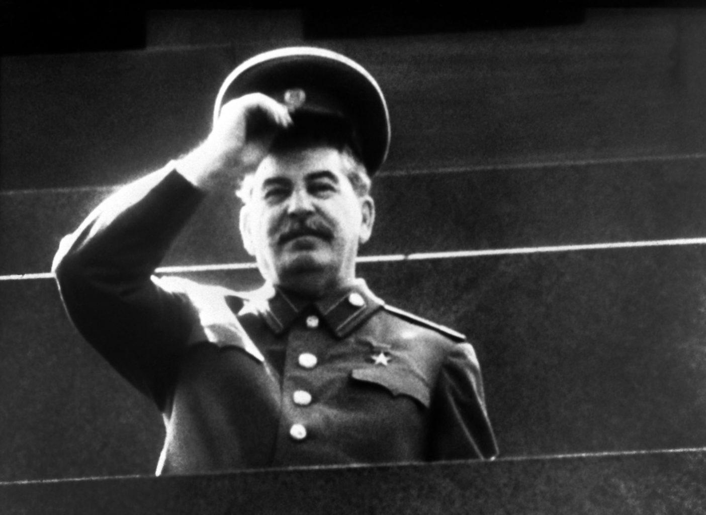 """""""Nagy az én bűnöm a magyar irodalommal szemben. Nekem köszönhetitek azt az egyetlen Sztálin-díjat, amit magyar író kapott"""" #moszkvater"""