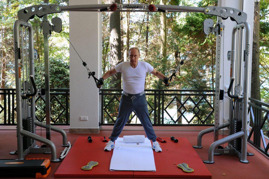 """Vlagyimir Putyin személyében újra megjelent a """"cár"""", aki nagy elődeihez hasonlóan magára nézve kötelezőnek tekinti az orosz földek összeszedését #moszkvater"""