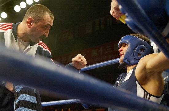 Romancsuk az Odlaniel Solis elleni 2005-ös kínai mérkőzésén hallgatja edzője tanácsait #moszkvater