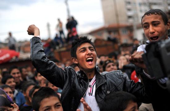A kép illusztráció. Roma fiatalok Plovdivban, a Nemzetközi Roma napon 2011-ben #moszkvater