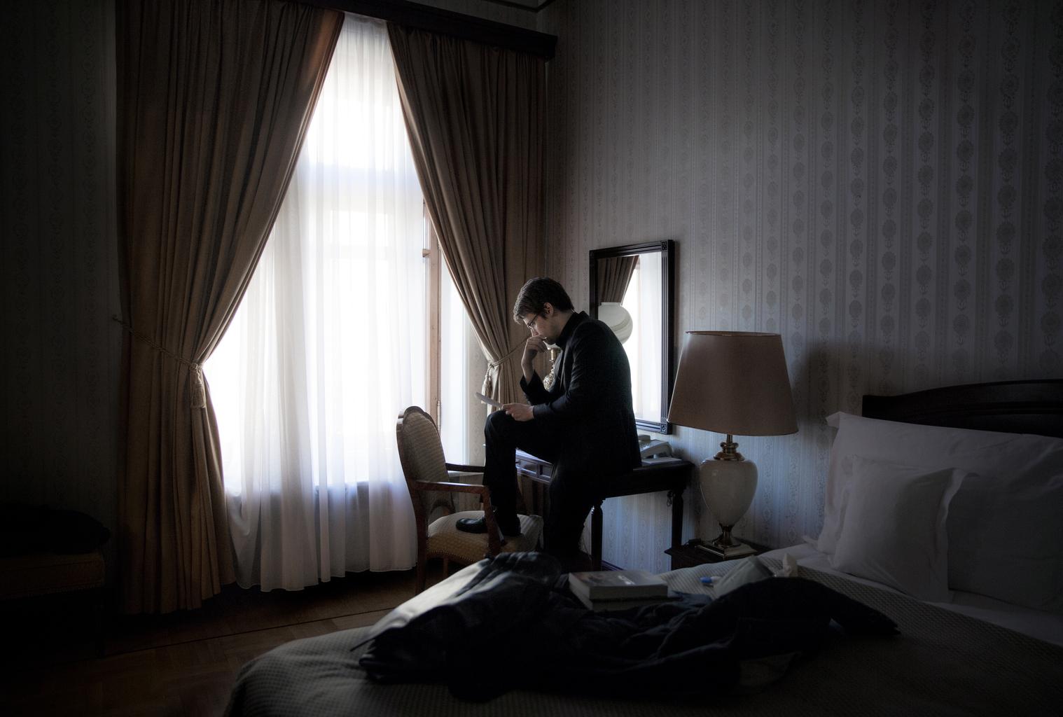 Edward Snowden 2015. október 21-én Moszkvában, a svéd Dagens Nyheter újsággal készített interjú során Fotó:EUROPRESS/Lotta Gardelin/Dagens Nyheter/AFP #moskvater
