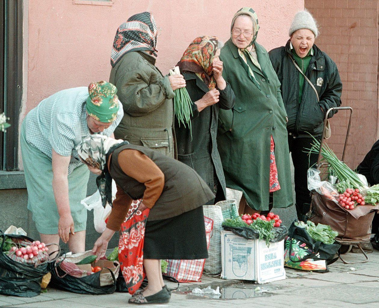 Utcai árusok Moszkvában 1998-ban #moszkvater
