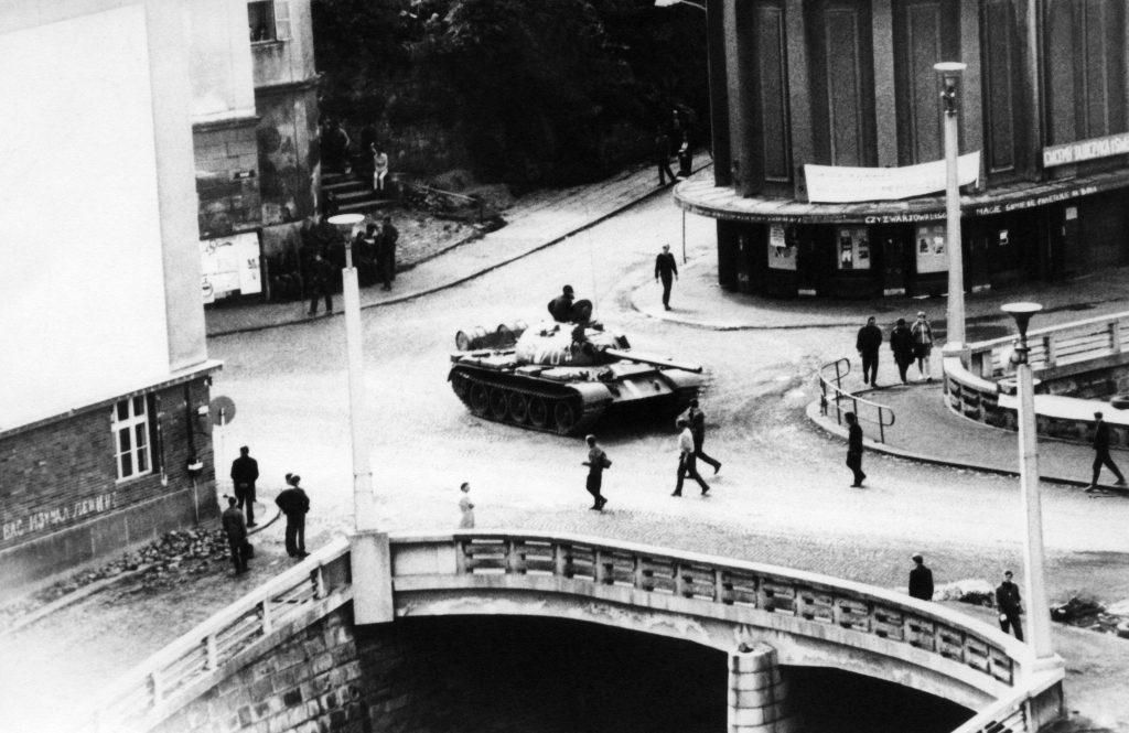 A Varsói szerződés tagállamainak hadseregei is felvonultak Csehszlovákiába #moszkvater