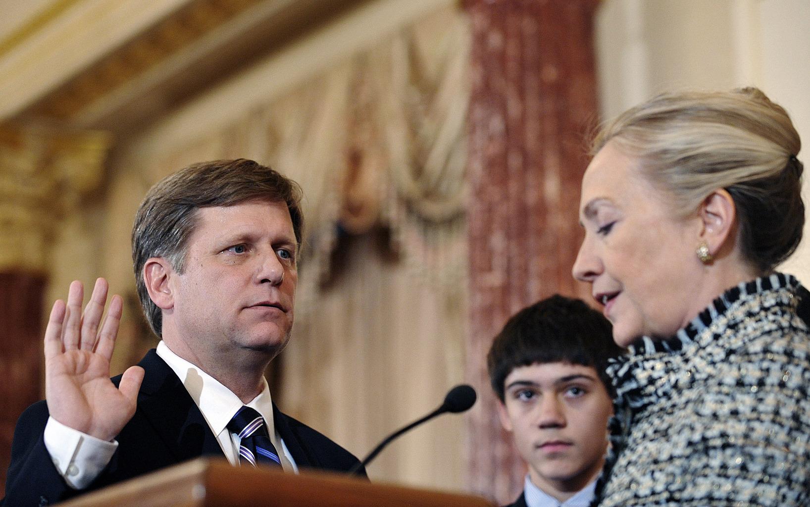 Michael McFaul elnöki tanácsadó nagyköveti esküje Hillary Clinton előtt 2012. január 12-én Washingtonban #moszkvater