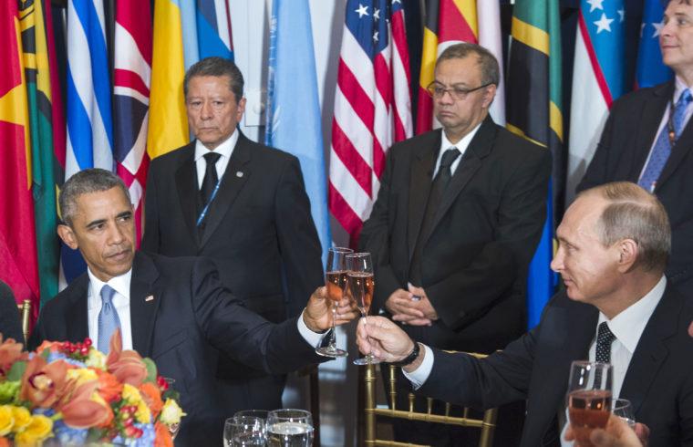 Barack Obama és Vlagyimir Putyin kocinntanak az ENSZ New-York-i központjában 2105. július 28-án #moszkvater