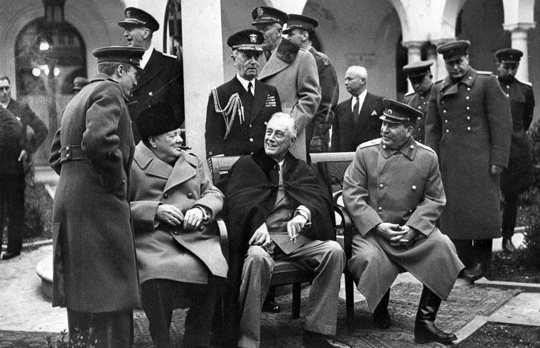 """""""A jaltai konferencián 75 éve február 4. és 11. között a szövetséges államok vezetői hosszú időre megrajzolták Európa kontúrjait"""" #moszkvater"""