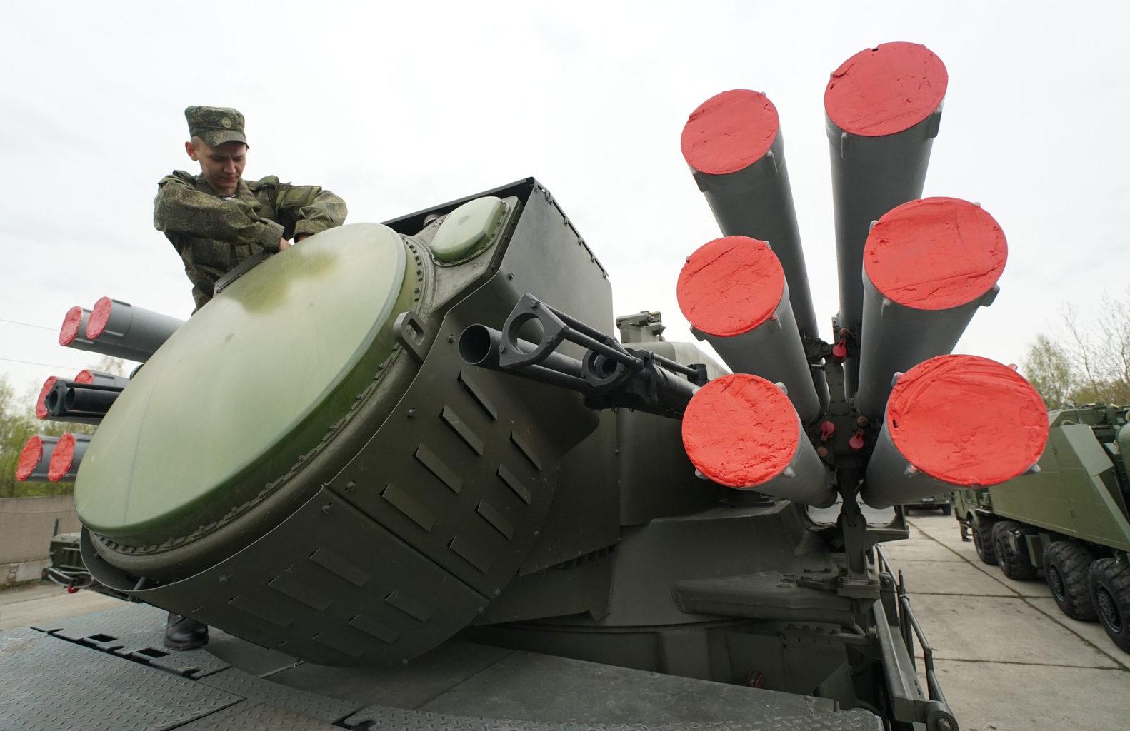 """""""Szerbia még Pancir–SZ1-eseket is vásárolt, amelyeket egyébként már több országban is sikerrel vetettek be"""" #moszkvater"""