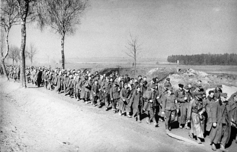 Elfogott német katonák menete Oroszországban 1945. április 10-én #moszkvater