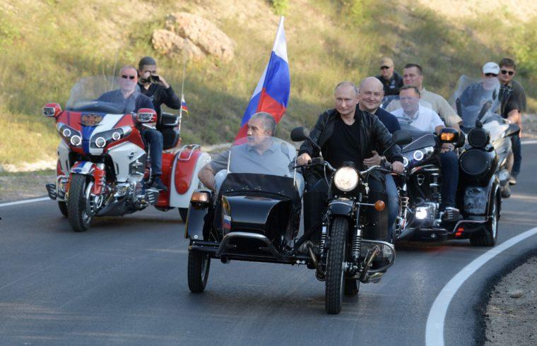 Putyin Szevasztopolban motorozik 2019. augusztus 10-én #moszkvater