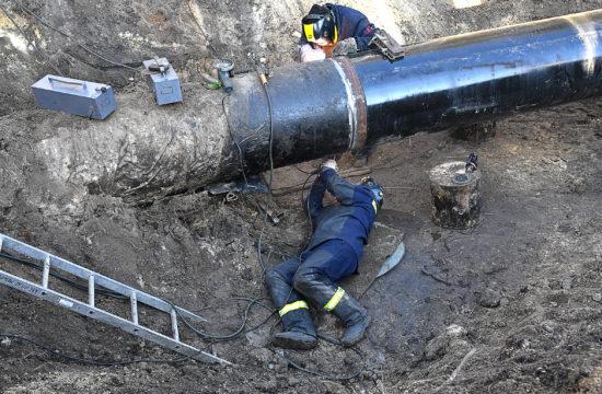 Munkások javítják a Druzsba kőolajvezetéket Minszk közelében 2020. január 15-én #moszkvater