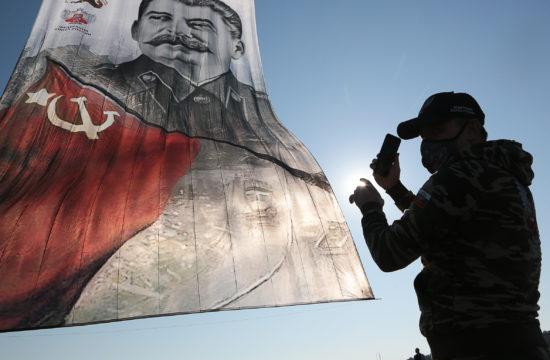 """""""Volt még jóval a Krím előtt az Oroszország neve című tévéműsor, amelyben reálisan Sztálin lett az orosz történelem legnagyobb alakja"""" #moszkvater"""
