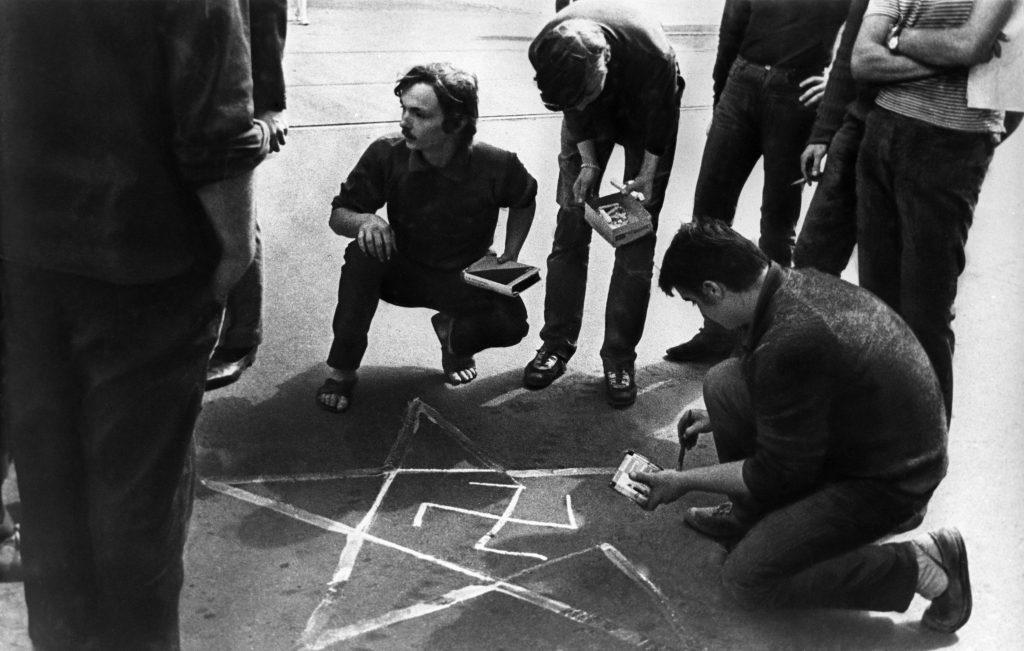 Utcai életkép Prágában, 1968. augusztus 21-én #moszkvater