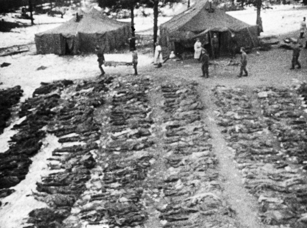 Kivégzett lengyel tisztek holttestei Katynban #moszkvater