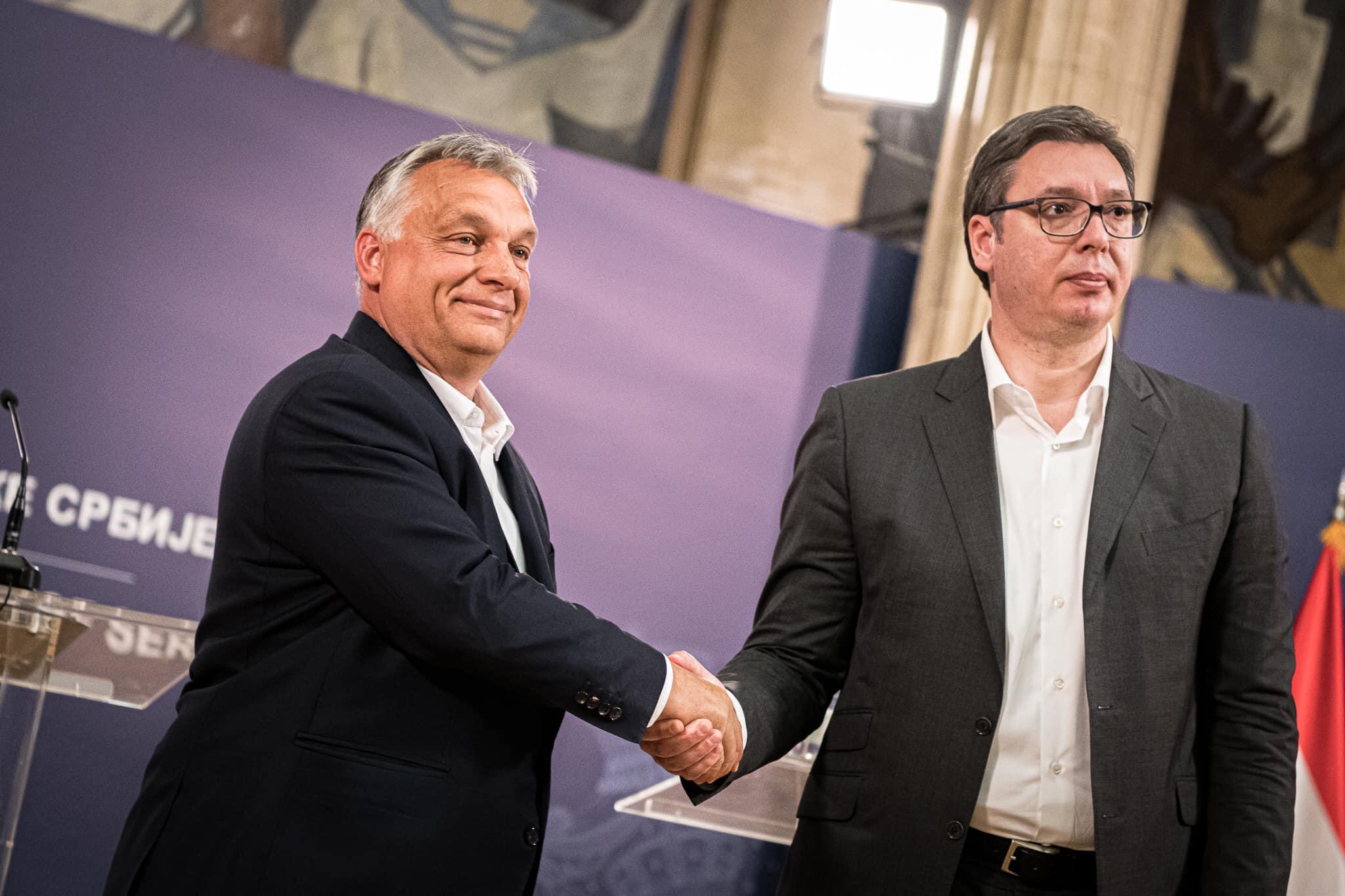 A szerb elnök mostanra akár Orbán Viktor politikai hasonmása is lehetne #moszkvater