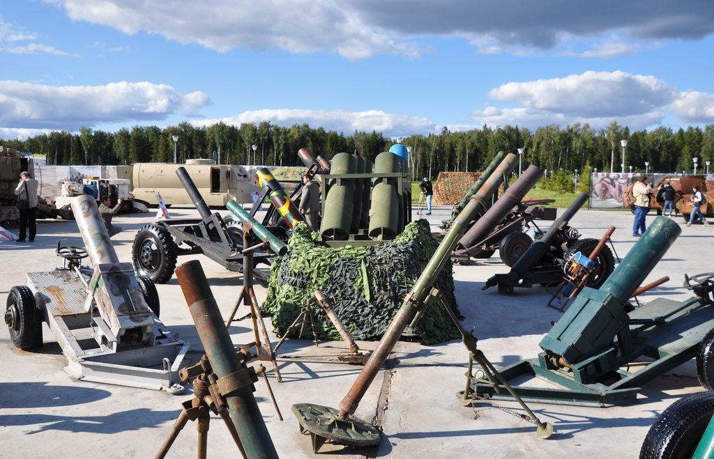 """Hagyományos aknavetők és barkácsolt """"pokol-ágyúk"""" sora a kiállításon #moszkvater"""