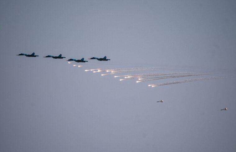A Kavkaz-2020 hadgyakorlaton részt vevő orosz vadászgépek gyakorlata 2020. szeptember 22-én az Asuluk légibázison Dél-Oroszországban #moszkvater