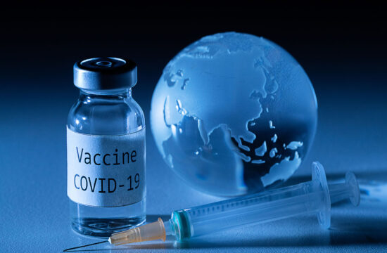 """""""Akié a vakcina, azé a világ"""" #moszkvater"""