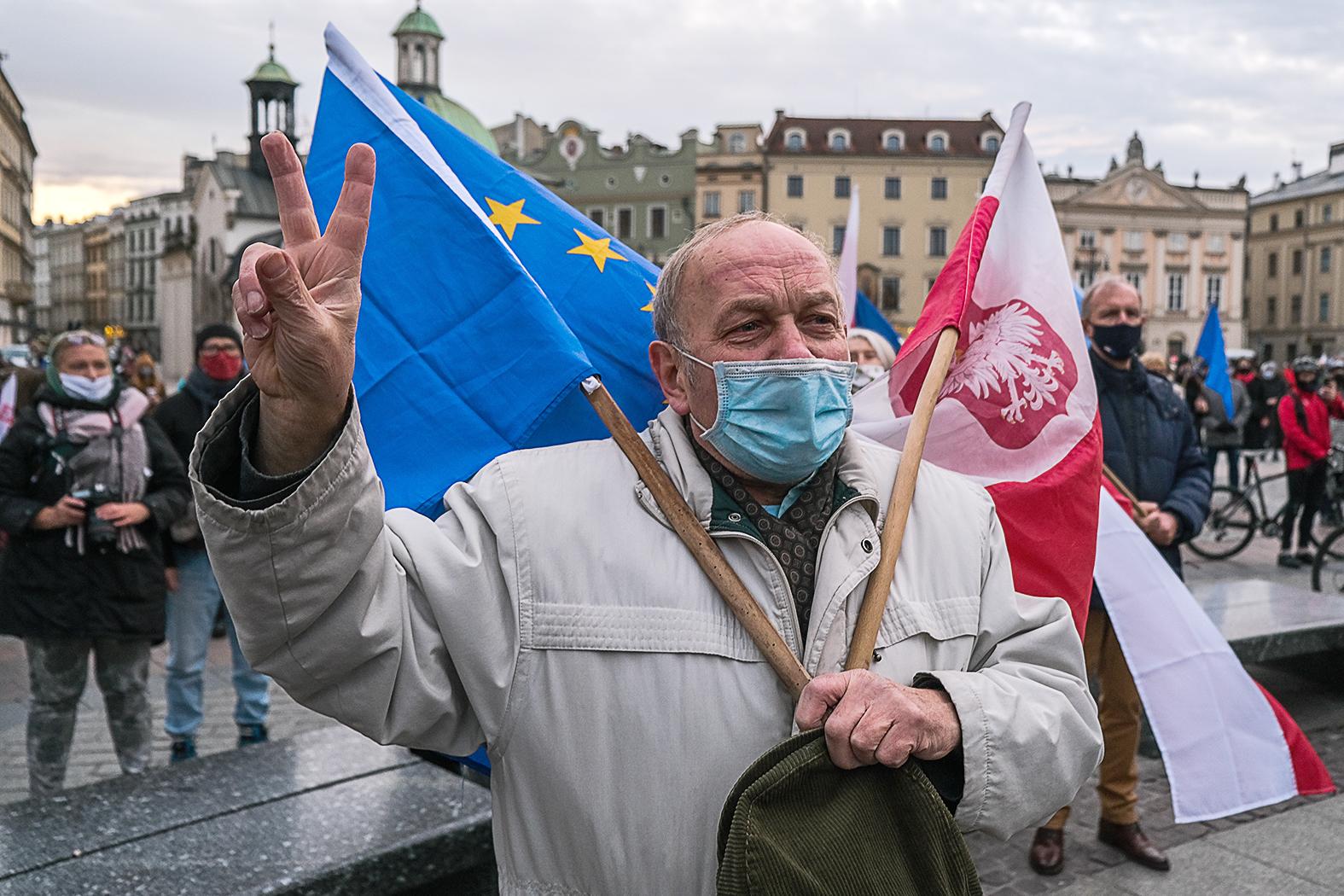 """""""Norvégia, Svájc vagy Nagy-Britannia geopolitikai okokból megengedhetik maguknak, hogy az Európai Unión kívül legyenek, Lengyelország azonban nem"""" #moszkvater"""