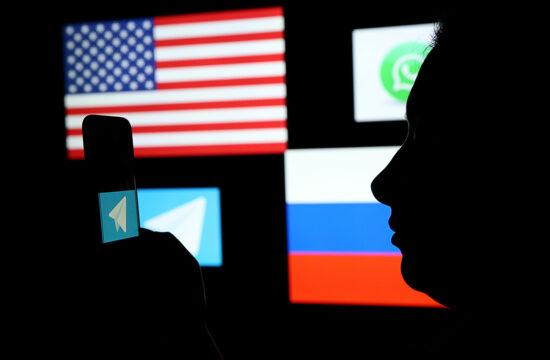 """""""Az app híre alapvetően a biztonságos működésről szól, a végpontok közötti titkosítással ellátott csevegést például nem lehet lehallgatni. Éppen ezért elég rossz híre van a hatóságok szemében"""" #moszkvater"""