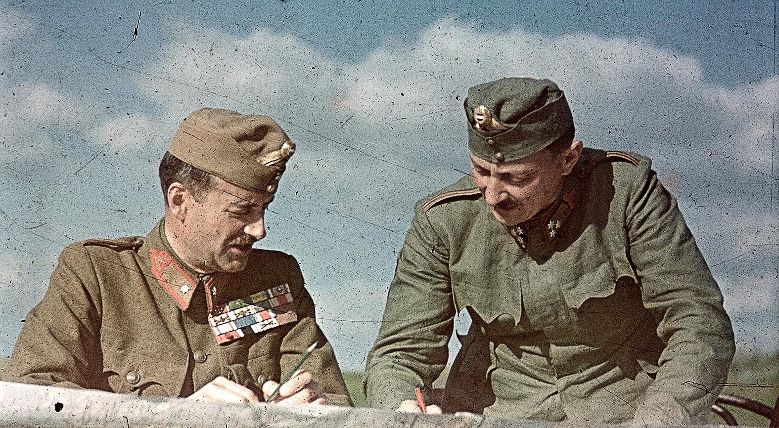"""""""Valahol Oroszországban"""" vitéz Jány Gusztáv /balra/ vezérezredes, a 2. magyar hadsereg parancsnoka #moszkvater"""