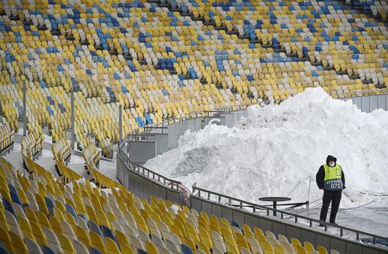 """""""Feleslegesen költenek euró milliókat átigazolásokra, edzőtáborokra, orvosokra. Ez így csak a játékosoknak és az edzőknek éri meg..."""" #moszkvater"""