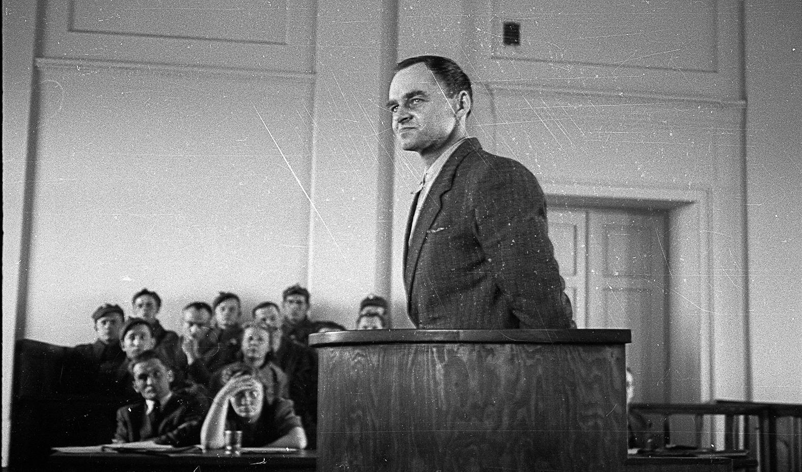 Witold Pilecki a varsói bíróság előtt 1948. március 3-án #moszkvater