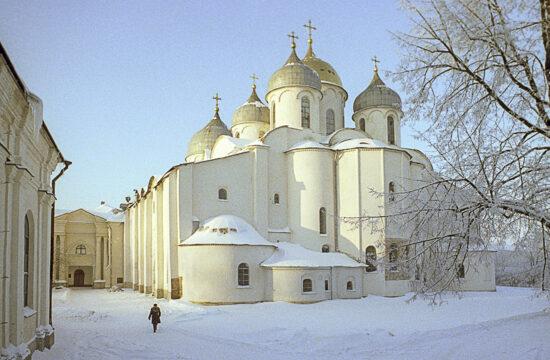 """""""A novgorodi Szent Szófia katedrális az egyik legrégebbi templomépület a mai Oroszországban, melyet még valamilyen célra használnak"""" #moszkvater"""