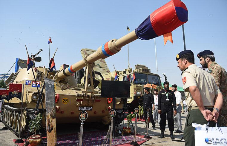 Fegyverkiállítás Karacsiban a pakisztáni Fegyver Expo-n 2018-ban #moszkvater