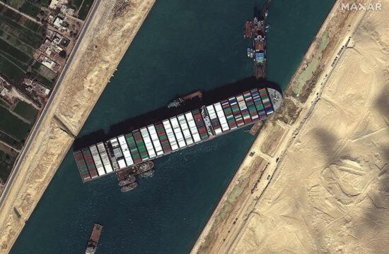 Az elakadt Ever Given teherhajó a Szuezi-csatornában 2021. március 27-én #moszkvater