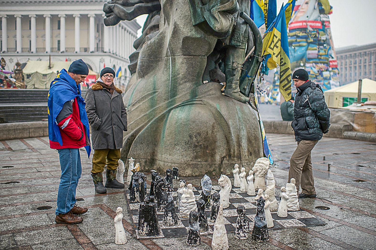 """""""Ebben a játszmában Ukrajna legfeljebb néhány gyaloggal van jelen. Ő maga a sakktábla"""" #moszkvater"""