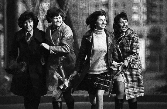 """""""Mindenki, a gyengébb nem, és nem csak ők, csinos és jól öltözött akart lenni."""" #moszkvater"""