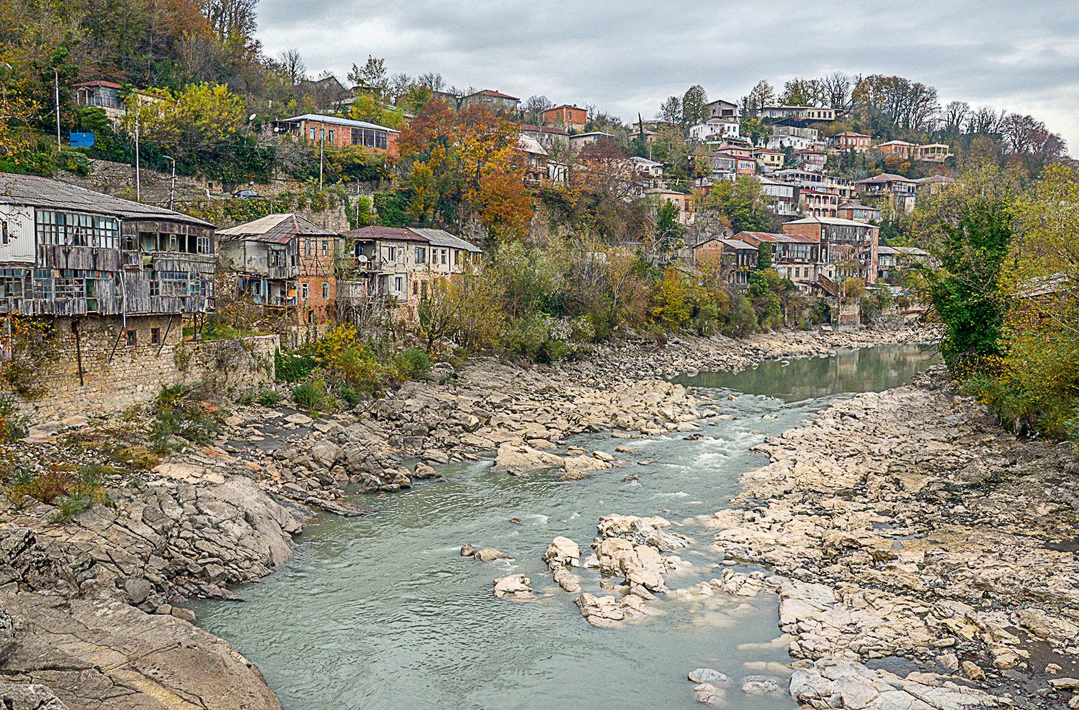 A Rioni folyó a grúziai Kutaiszi városánál #moszkvater