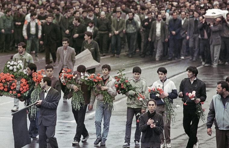 A tbiliszi vérengzés áldozatainak temetése 1989. április 12-én #moszkvater