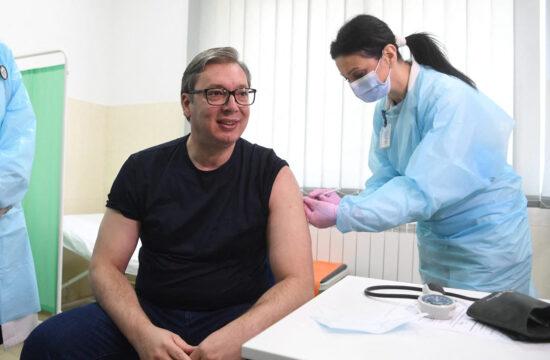 """""""Azért el kell mondani, hogy Aleksandar Vučić államfő az oltási szkepticizmust fordította az előnyére"""" #moszkvater"""
